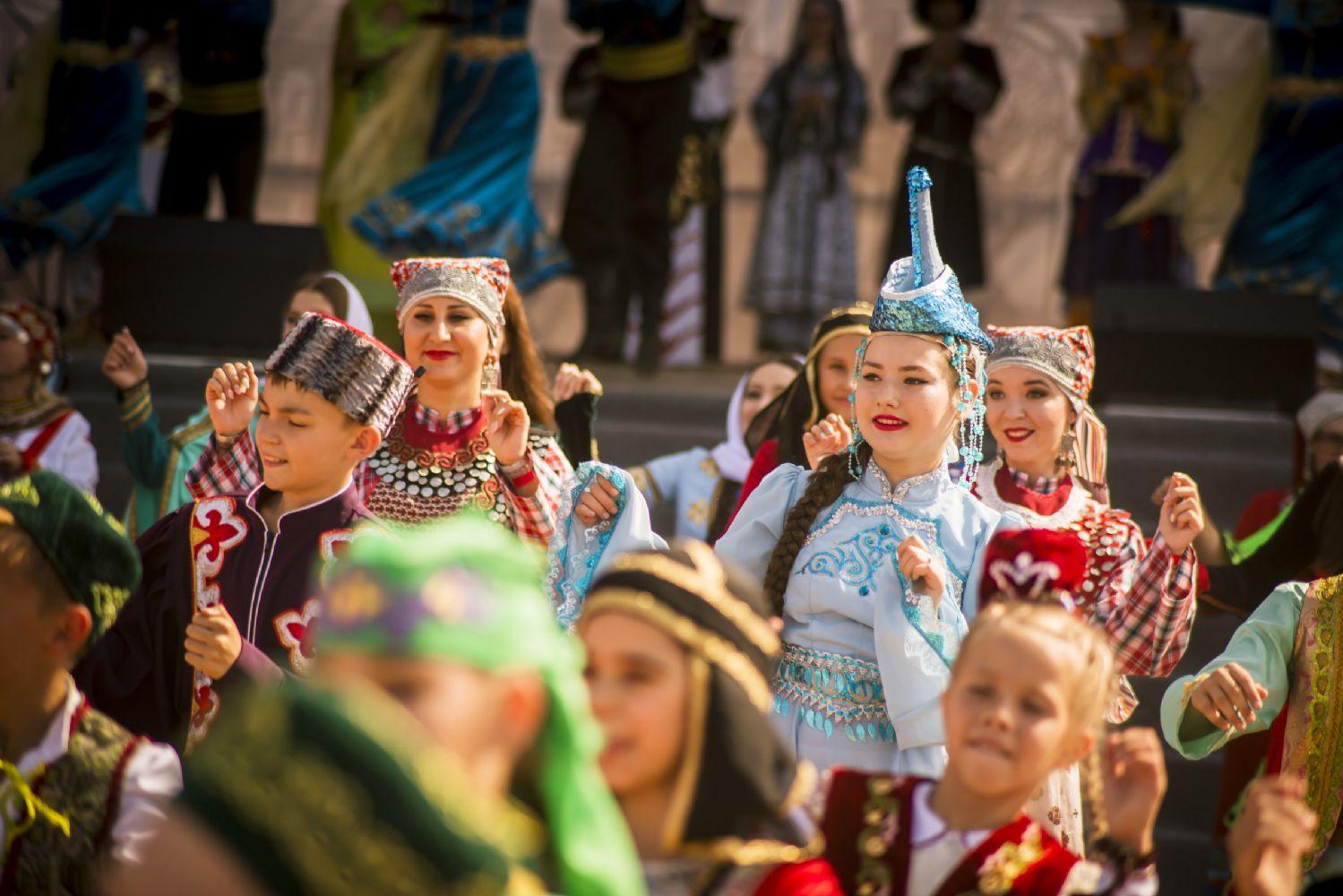 фото день татарстана с праздником делал рекламу фейковому