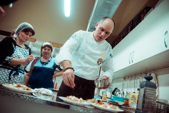 Кулинарное мастерство начали преподавать в казанском храме Сошествия Святого Духа