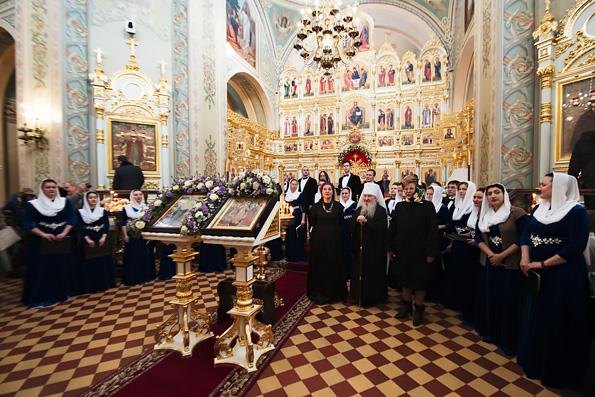 В Свияжске в честь праздника иконы Божией Матери «Всех скорбящих Радость» выступил сводный хор