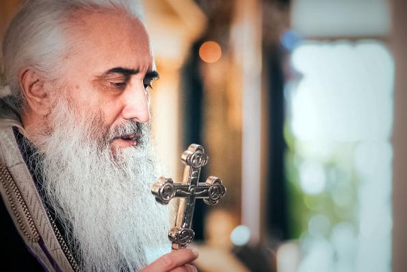 Поздравление митрополита Феофана протоиерею Павлу Павлову с 60-летием со дня рождения