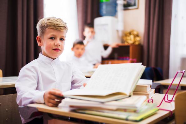 Патриарх Кирилл: Найти формы обращения к подросткам со словами о Боге ― задача, находящаяся на стыке работы воскресных школ и миссии среди молодежи