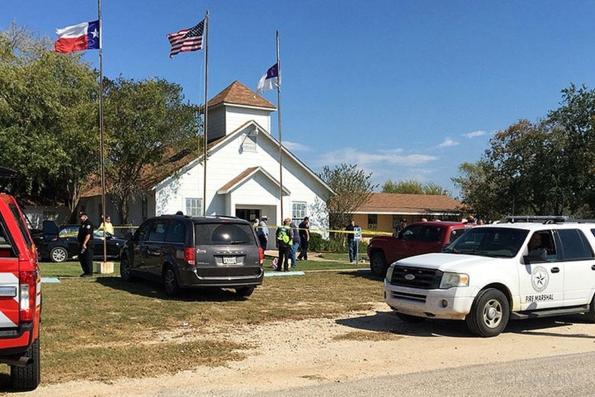 27 человек убиты в Техасе во время церковной службы