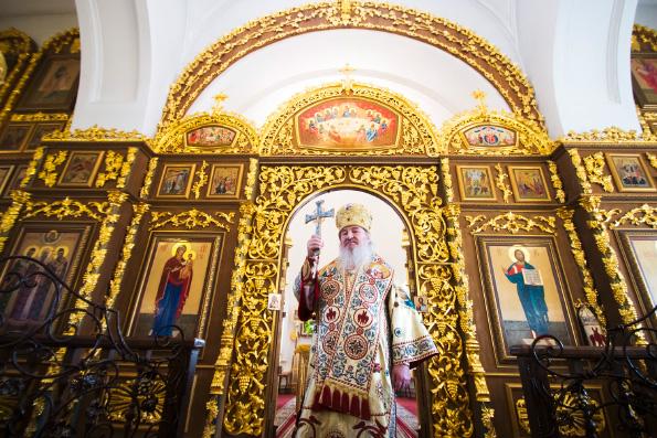 Митрополит Феофан возглавил престольный праздник в храме великомученицы Варвары города Казани
