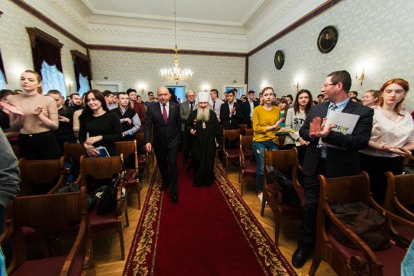Митрополит Феофан встретился со студентами Казанского федерального университета