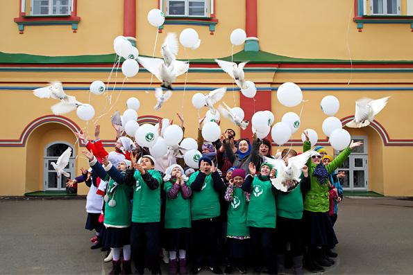 В Казани в праздник Благовещения Пресвятой Богородицы прошел флешмоб «Начало жизни»