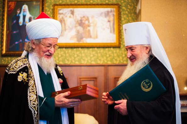 Митрополит Феофан встретился с председателем ЦДУМ России Талгатом Таджуддином