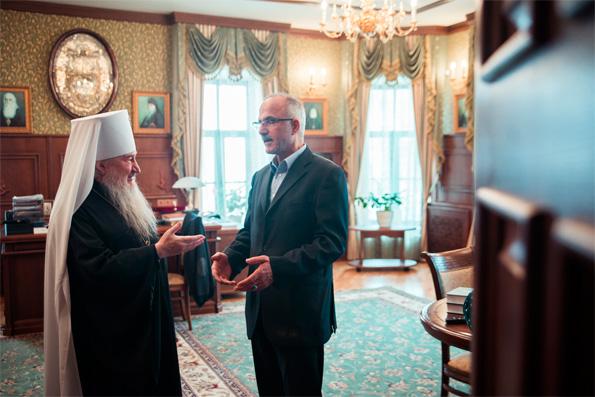 Глава Татарстанской митрополии принял и.о. руководителя консульства Ирана в Казани
