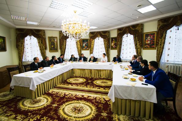 Митрополит Феофан принял дипломатов посольств стран-членов Евросоюза