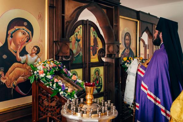 В Альметьевском епархиальном управлении освятили домовой храм