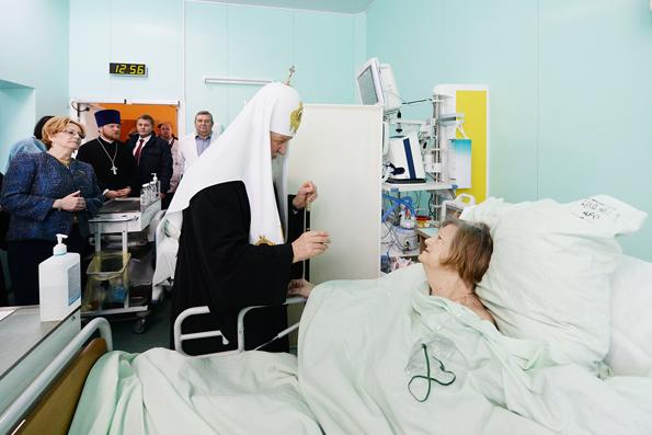 Патриарх попросил пожертвовать средства церковной больнице вместо покупки цветов на интронизацию