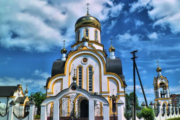 В Москве возвели первый столичный храм в честь святых царственных страстотерпцев