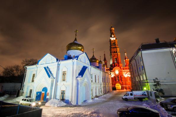 В канун праздника Крещения Господня митрополит Феофан возглавил всенощное бдение в Богоявленском соборе Казани