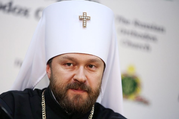 Митрополит Иларион — за присутствие Церкви в соцсетях, но против подачи записок за здравие и упокой через Интернет