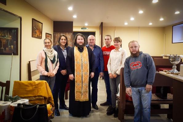 В Санкт-Петербурге открылось кафе, где могут бесплатно пообедать нуждающиеся пожилые люди