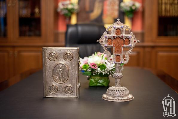 Синод Украинской Православной Церкви обратился к архипастырям, пастырям, монашествующим и верующим