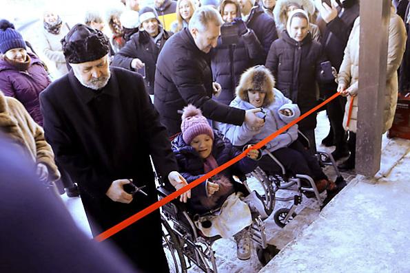 Церковь помогла открыть дом для инвалидов в Ленинградской области