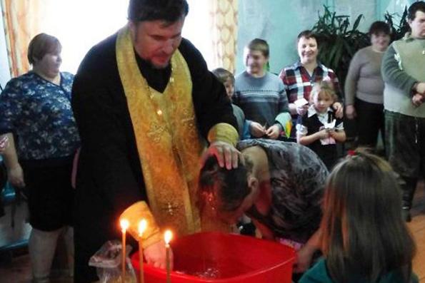 Более 70 чулымцев крестились в Красноярском крае