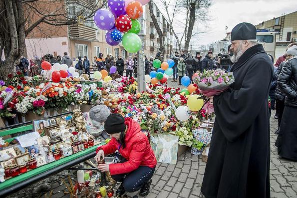Глава Кузбасской митрополии призвал устраняться от спекуляций на трагедии в Кемерово