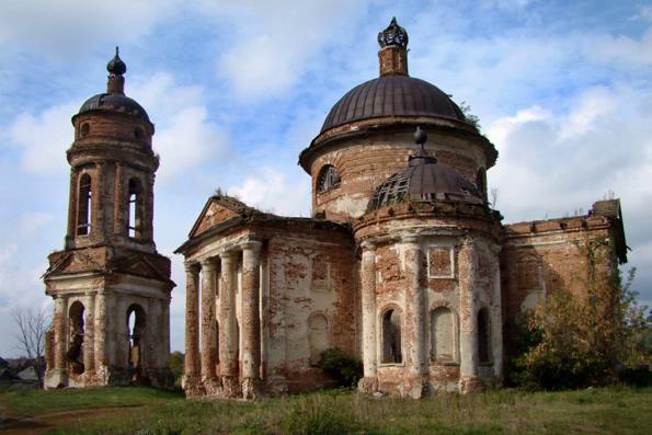 В Церкви составят список всех аварийных храмов