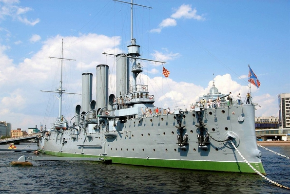 Впервые после революции на крейсере «Аврора» начал действовать храм