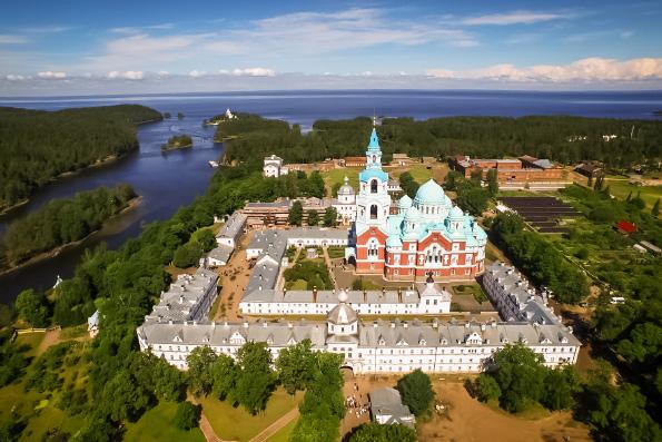 Семьи погибших в Кемерове совершили паломничество