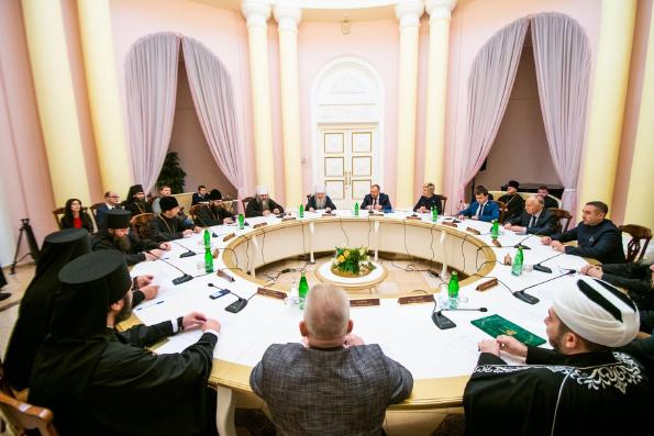 Резолюция круглого стола на тему «Татарстан – территория созидательного и конструктивного межрелигиозного сотрудничества»