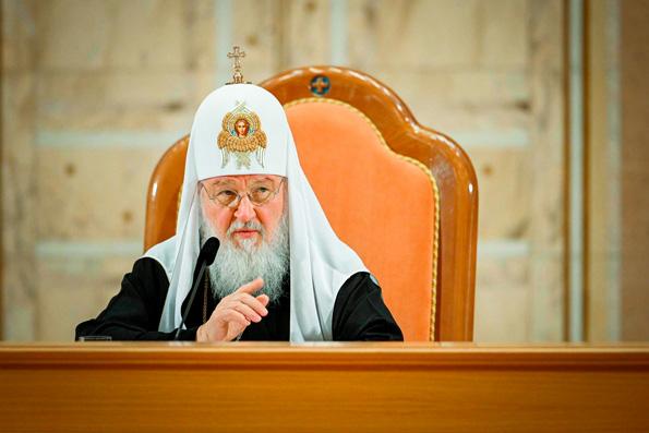Святейший Патриарх Кирилл: Перевод всего богослужения на современный русский язык не принесет пользы