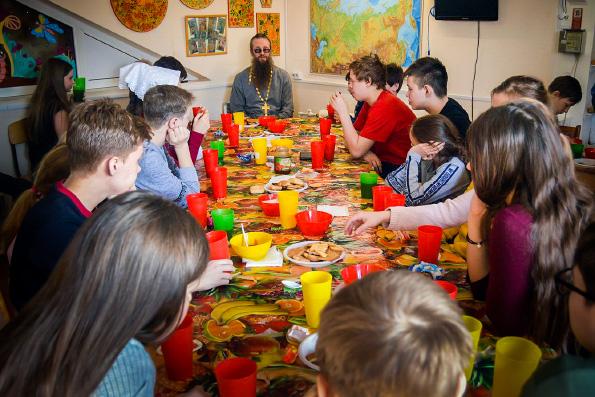 Встреча детей со священником