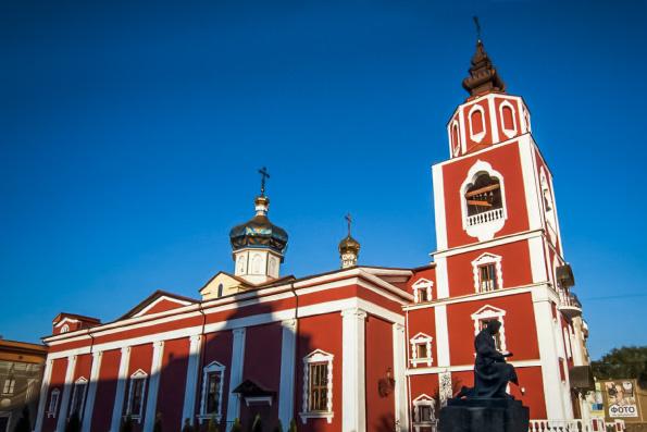 В украинском храме мальчик-аутист произнес свое первое слово, приложившись к иконе святителя Николая Чудотворца