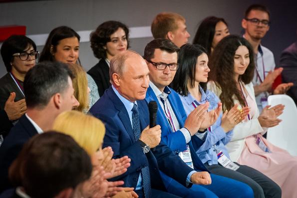 Владимир Путин предложил провести опрос жителей о строительстве храма в Екатеринбурге