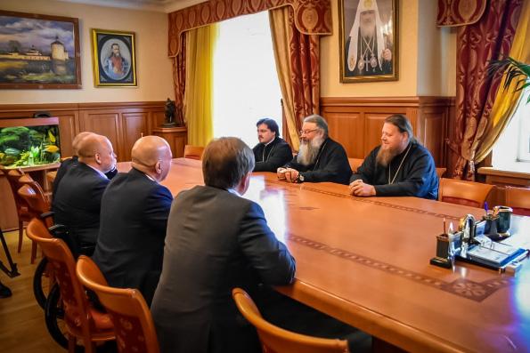 Депутаты Госдумы обсудили с главой Екатеринбургской митрополии пути решения проблемы строительства храма святой Екатерины