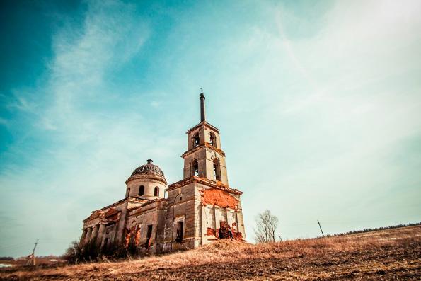 Более четырех тысяч храмов в России находятся в аварийном или разрушенном состоянии