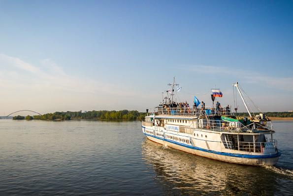 Корабль-церковь Новосибирской епархии «Святой апостол Андрей Первозванный» совершает очередной миссионерский рейс