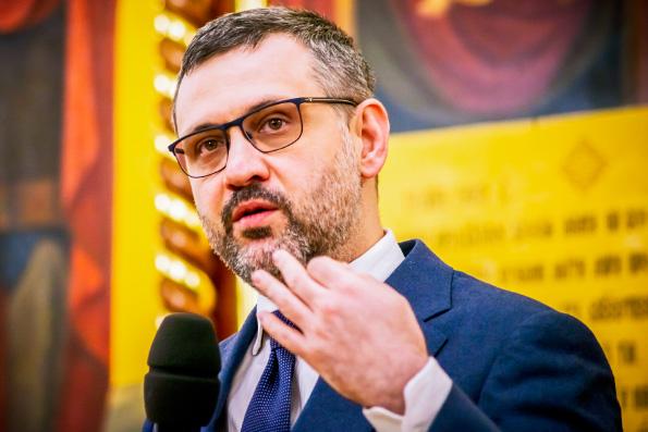 Владимир Легойда: Призыв Патриарха внести в преамбулу Конституции РФ упоминание Бога — это приглашение к началу дискуссии