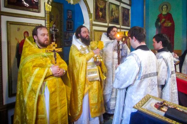 Епископ Елабужский Иннокентий совершил богослужение в казанской исправительной колонии