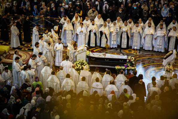 В Храме Христа Спасителя состоялось отпевание и погребение протоиерея Димитрия Смирнова