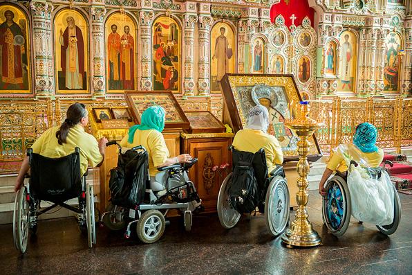 Православный Свято-Тихоновский университетприглашает на бесплатные курсы оказания помощи маломобильным людям