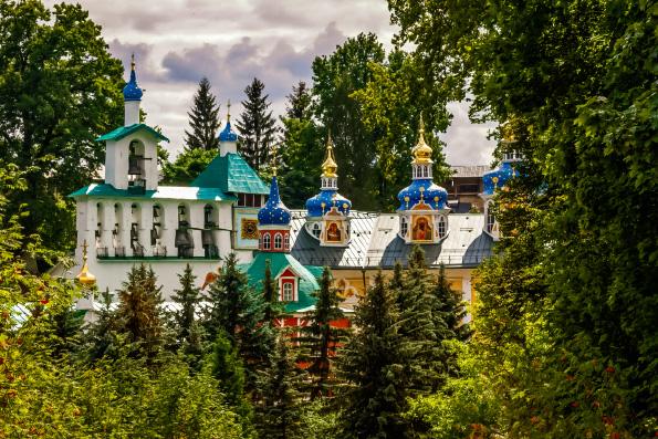 При Псково-Печерском монастыре откроют больницу для всех
