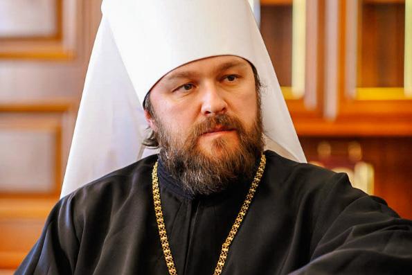 Митрополит Волоколамский Иларион: Не боишься заразиться сам, подумай о других