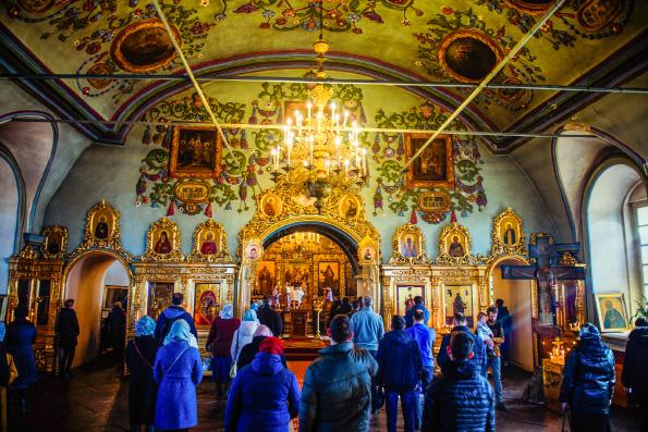 Митрополит Иларион: Чем больше люди будут прислушиваться к голосу Церкви, тем более благополучным будет наше общество