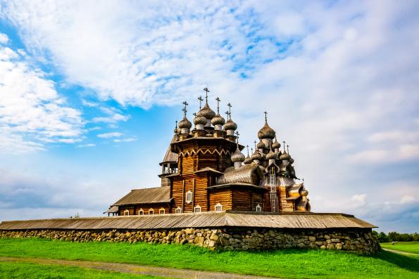 В знаменитом Преображенском храме в Кижах впервые за 40 лет пройдет богослужение