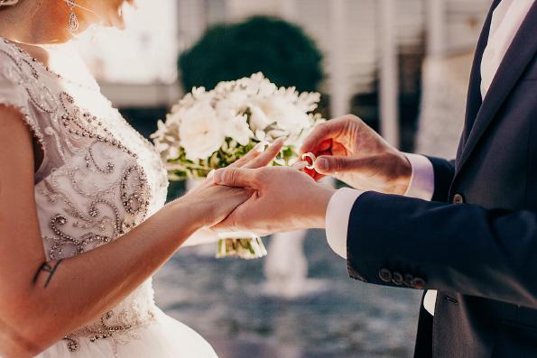 ВЦИОМ: Россияне стали лояльнее относиться к бракам с людьми иной веры
