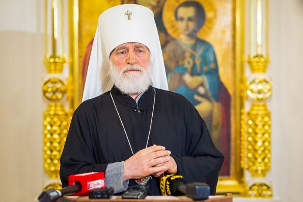 Митрополит Минский Павел призвал власти и общественность Республики Беларусь вместе искать мирные пути разрешения кризиса в стране