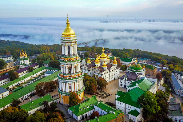 Владимир Зеленский подтвердил право Украинской Православной Церкви на пользование Киево-Печерской Лаврой