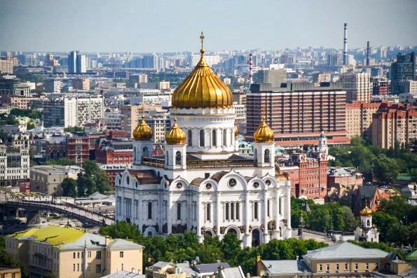 Церковь не собирается закрывать храмы в нерабочие дни