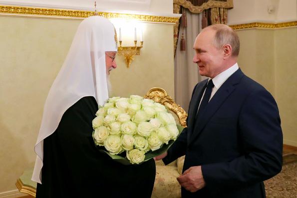 Святейший Патриарх Кирилл поздравил Президента России Владимира Путина с днем рождения