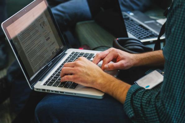 Митрополит Иларион: В «виртуальном» мире Интернета находятся реальные люди, и они нуждаются в слове священника