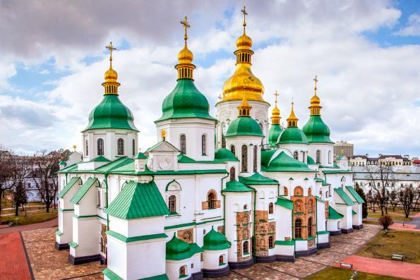 Митрополит Иларион: Каноническую Церковь на Украине фактически объявили вне закона