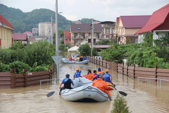 Екатеринодарская епархия оказывает помощь пострадавшим от наводнения