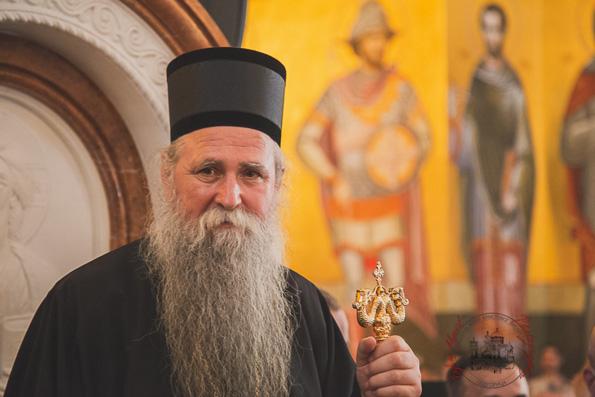 Патриарх Кирилл поздравил митрополита Иоанникия с возведением на Черногорскую кафедру